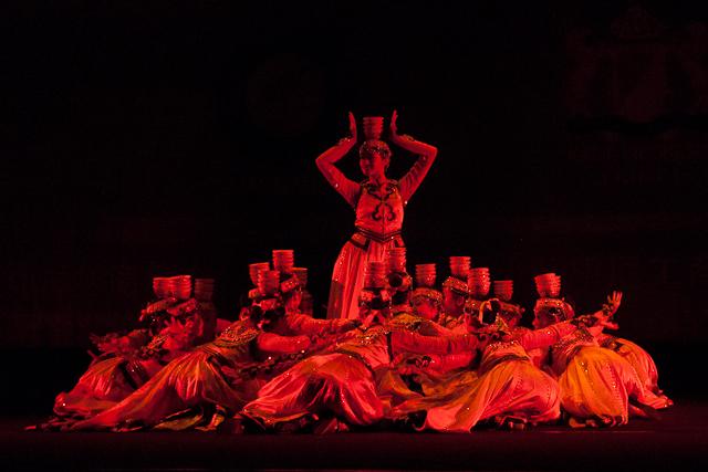 Mongolian dance