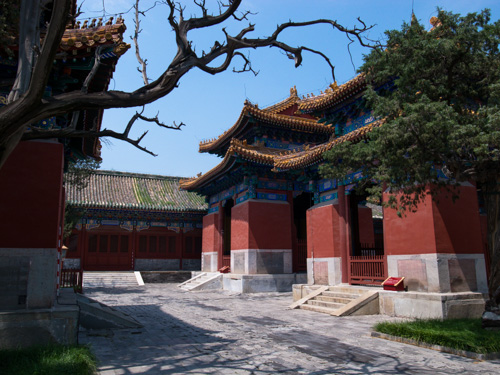 Rumah untuk menyimpan stele di Confucius Temple, Beijing. ISO 80, f/3.5, 1/1050 detik