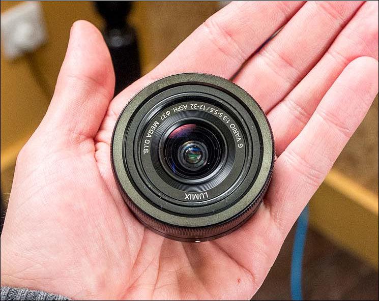 Lensa Panasonic 12-32mm yang sangat mungil