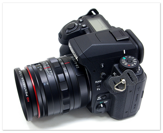 Pentax 20-40mm saat dipasang dengan Pentax K3