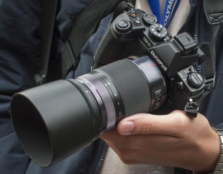 Olympus OMD EM1 dan Panasonic 35-100mm f/2.8 - setara dengan 70-200mm di full frame