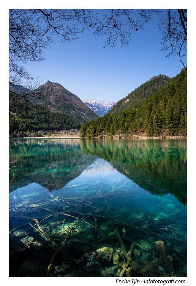 jiuzhaigou-mirror-lake