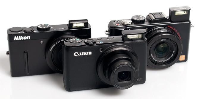 Depan: Canon S95, Kiri: Nikon P300, Kanan: Panasonic LX5