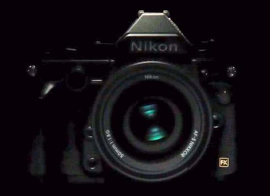 kamera-Nikon-Df-depan