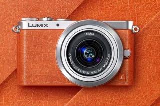 Tersedia dalam berbagai variasi warna, salah satunya orange-silver