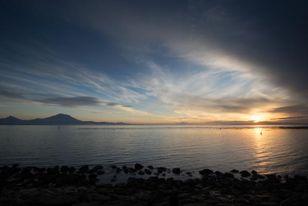 Foto matahari terbit tanpa HDR. 1/15 detik, ISO 100, f/16, 17mm