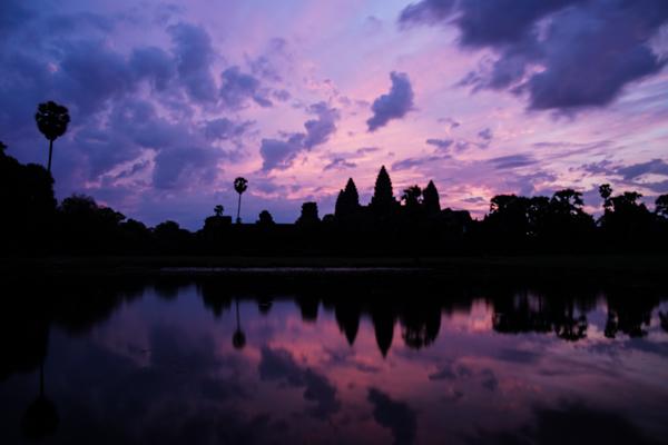 Sunrise di Angkor Wat di  16mm ISO 100