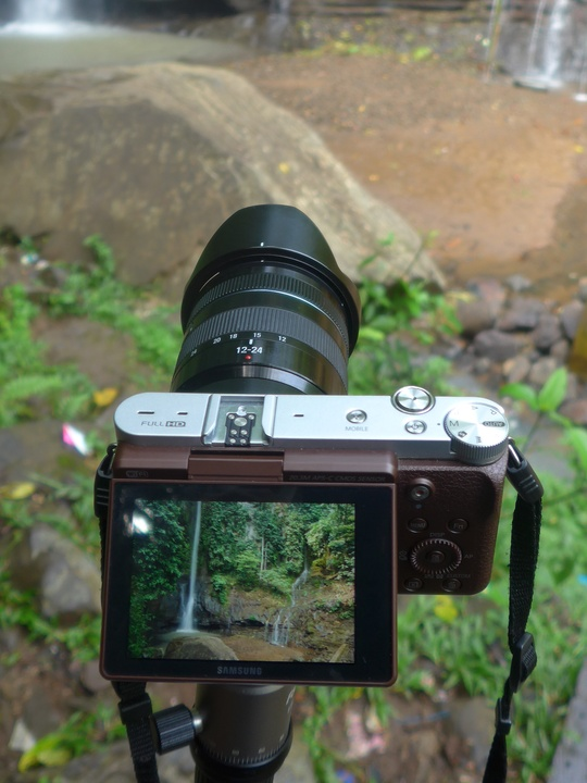Samsung NX3000 in action