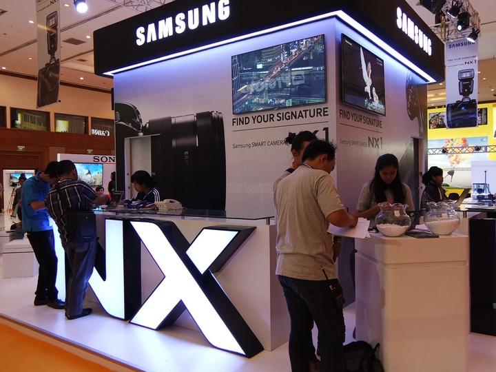 Booth Samsung NX di Focus Expo JCC