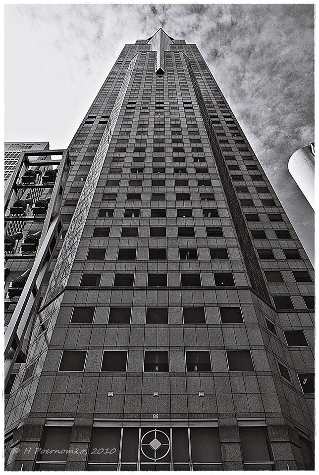 Foto hitam putih bagus juga untuk arsitektur