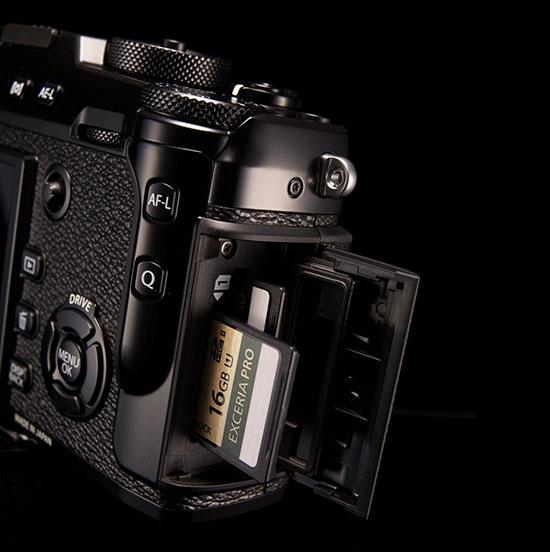 fuji-x-pro2-dual-card-slot