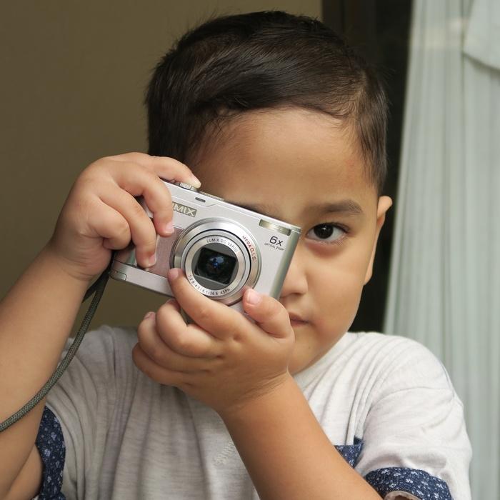 Untuk kebutuhan potret juga oke, lensa G5X punya ketajaman oke dan warna skin tone juga baik
